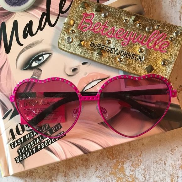 3d77e9b1833 Betsey Johnson Heart Sunglasses